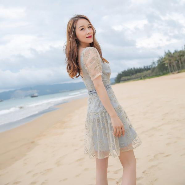 (测试商品)夏季复古ins风格网红SP同款 短袖大圆领香槟色蕾丝绣花钉珠连衣裙